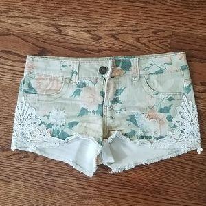 🛍3/$30 Mossimo denim short shorts